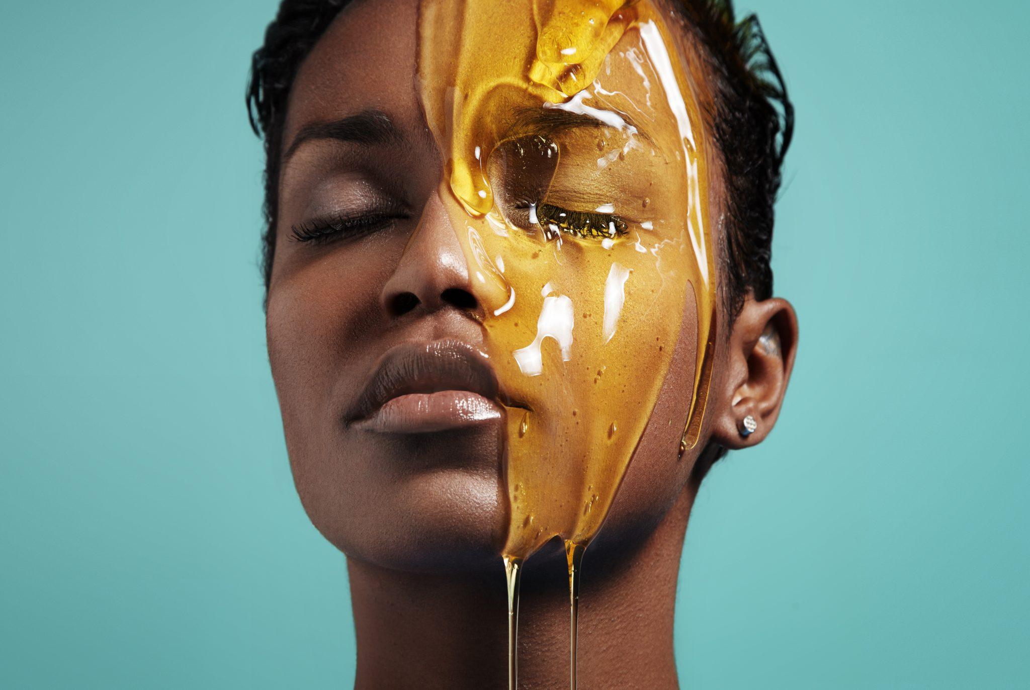 Comment prendre soin de sa peau avec le miel ?-Meltinggirls.fr