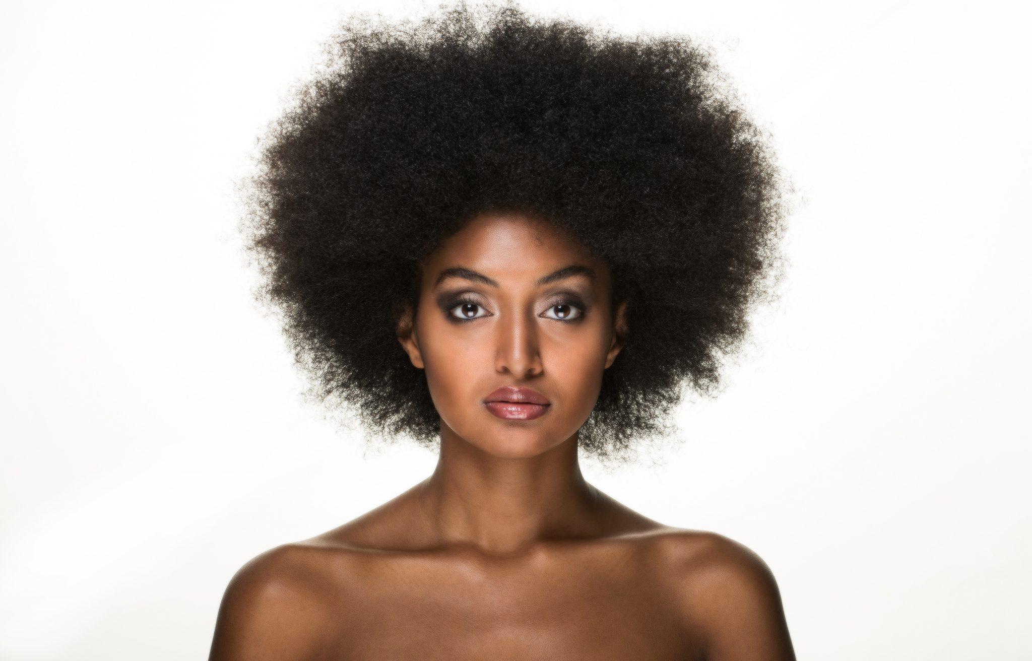 Comment reconnaitre et soigner ses cheveux afro 4C